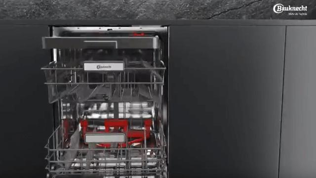 Bauknecht – Lavastoviglie con la funzione Power Clean